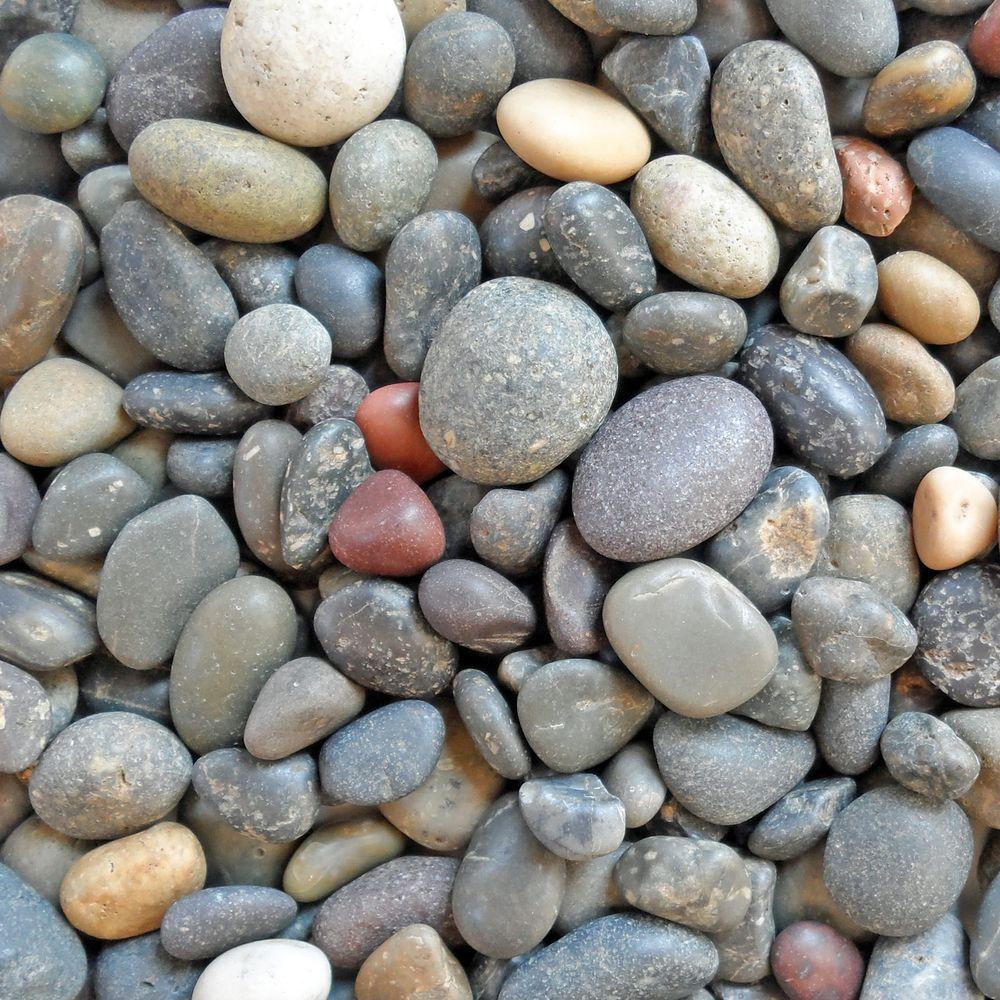 0.50 cu. ft. 40 lb. 1/4 in. - 1/2 in. Unpolished Mixed Mexican Beach Pebble Bag (20-Pack Pallet)